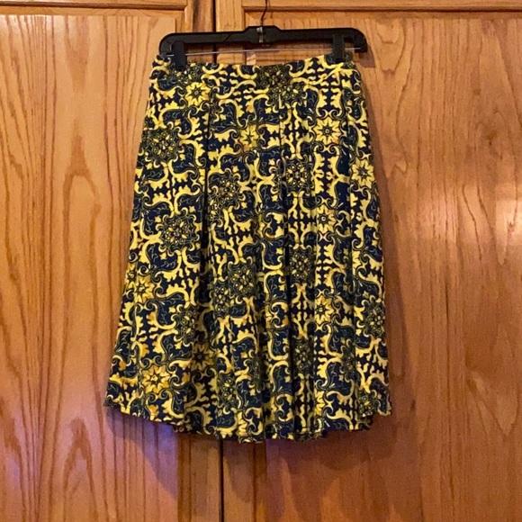 XL LuLaRoe Madison skirt blue and gold skirt